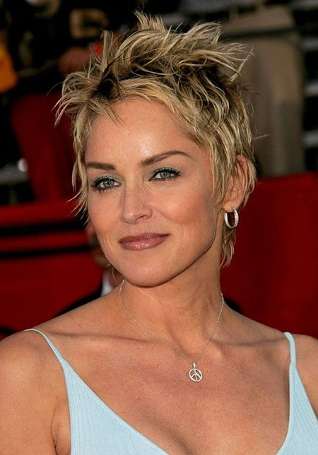 Celebrity-Short-Layered-Hair