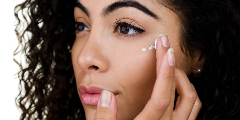How To Treat Under Eye Circles Effectively